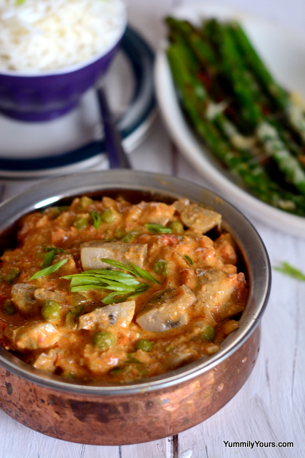 DHINGRI MATAR |MUSHROOMS IN ALMOND CURRY