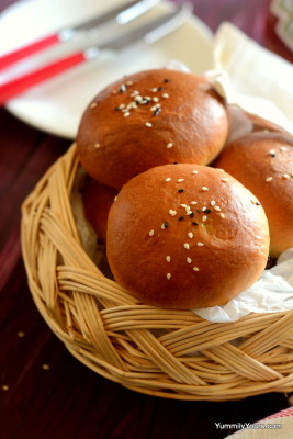Stuffed buns with an a paneer masala filling, popular food from Bangalore!